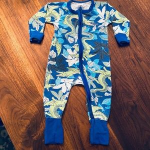 Bonds Wondersuit baby PJs 6-12 months